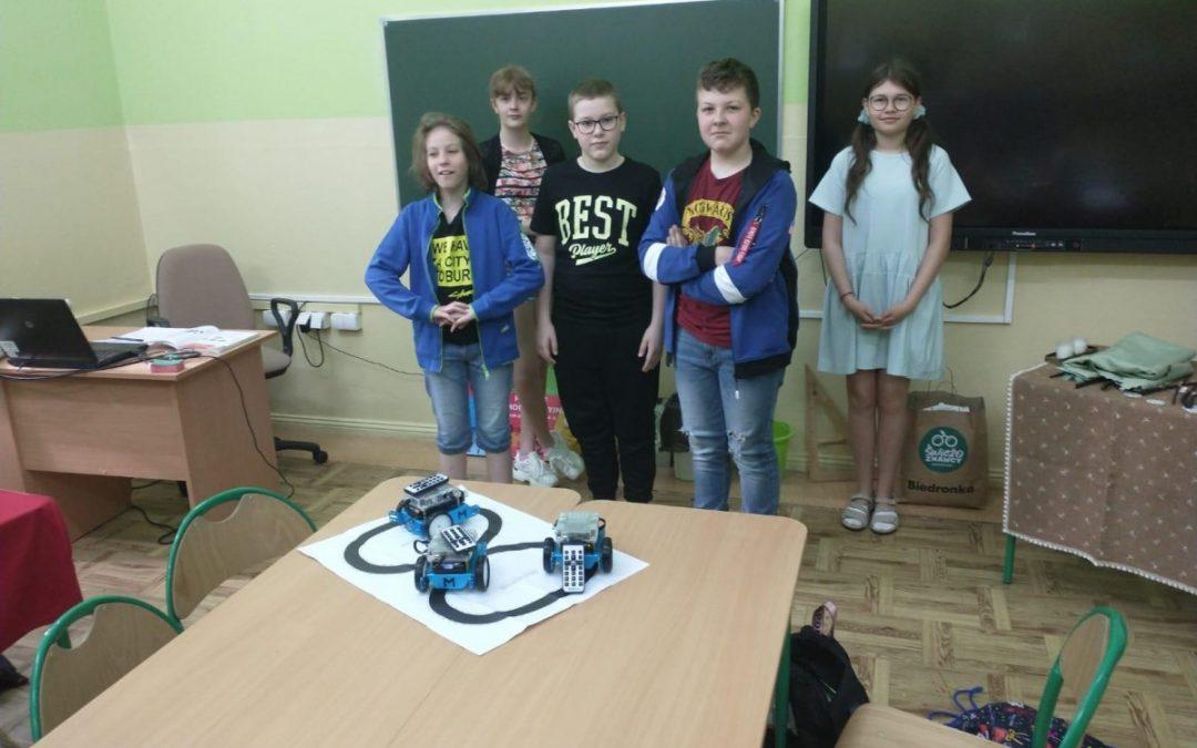 Wykorzystanie i programowanie robotów na zajęciach techniki.